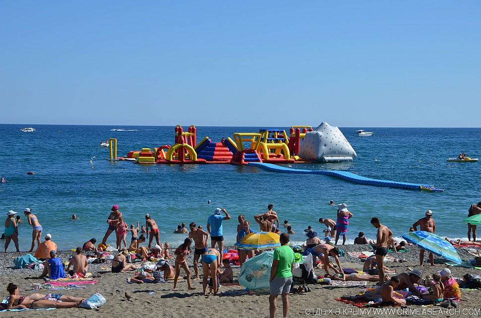 Развлечения на пляже в Алуште
